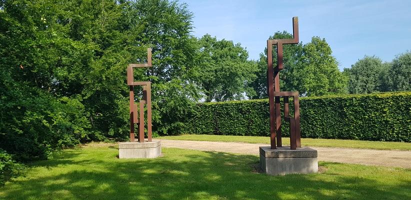 Wandeling Ommetje De Beemden en de Donken in Den Dungen bij monument voor zweefvliegers 2e WO
