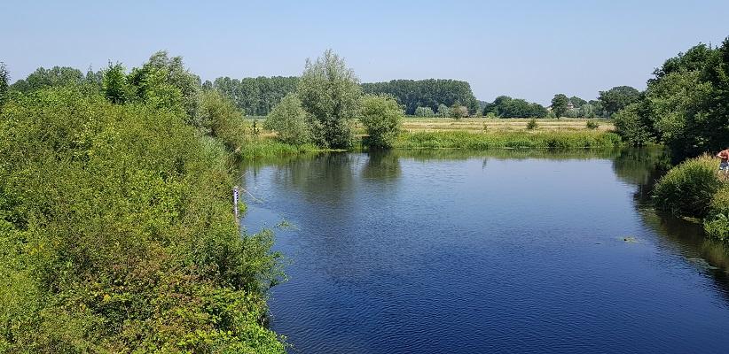 Ik maakte een wandeling, een trage tocht door het Dommdal bij Liempde bij de Dommel