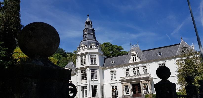 Wandelen buiten de binnenstad van Nijmegen over het Berg en Dalpad