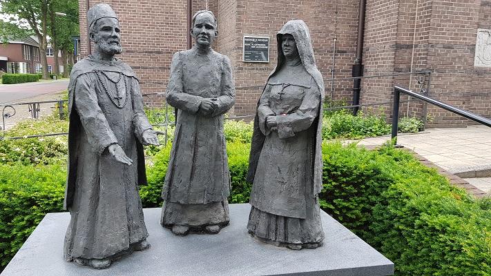 Wandeling van Heeze naar Maarheeze bij Monument van de 3 congregaties