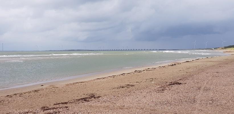 Wandeling rond het Veerse Meer over het Nederlands Kustpad op het Noordzeestrand