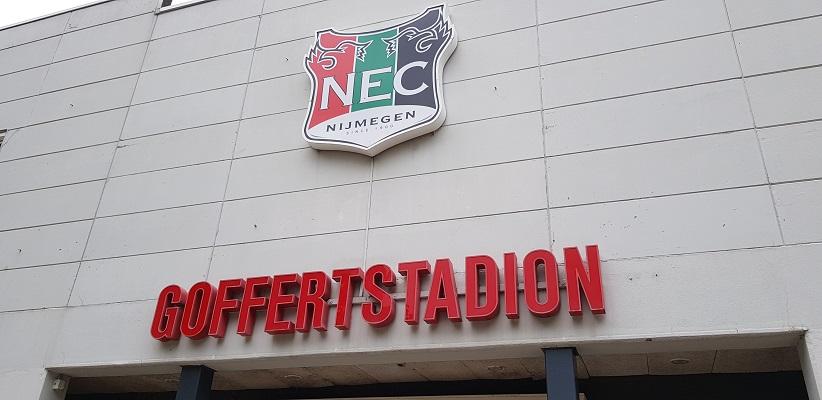 Wandeling buiten de binnenstad van Nijmegen van Gegarandeerd Onregelmatig over het Goffertpad bij NEC-stadion