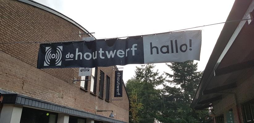 Wandeling buiten de binnenstad van Nijmegen van Gegarandeerd Onregelmatig over het Goffertpad bij de Houtwerf