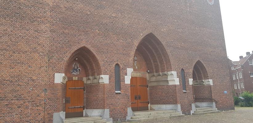 Wandelen buiten de binnenstad van Amsterdam van Gegarandeerd Onregelmatig bij Linnaeushof