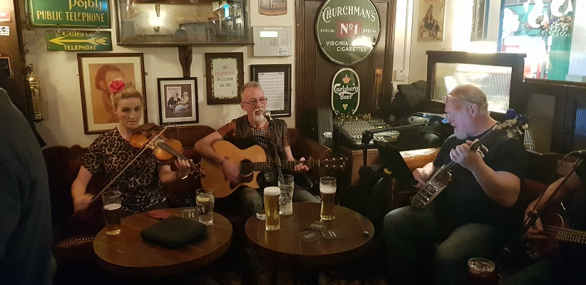 Muziek in pub Londonderry