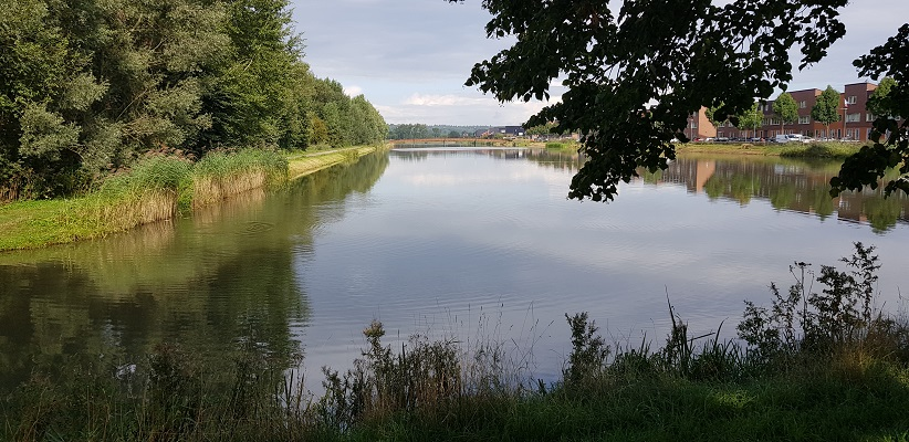 Wandelen buiten de binnenstad van Arnhem van Gegarandeerd Onregelmatig over het Vinexpad bij de Kanovijver