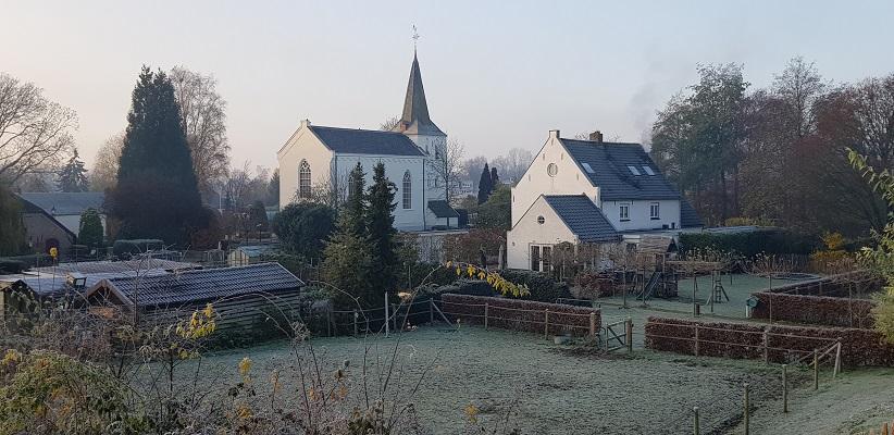 Wandeling over het Dijkenpad in Arnhem van Gegarandeerd Onregelmatig bij de Bonifatiuskerk in Elden