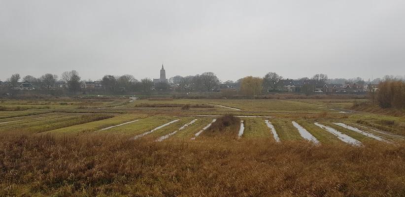 Wandeling over Klompenpad Rhenoijsepad met zicht op Asperen