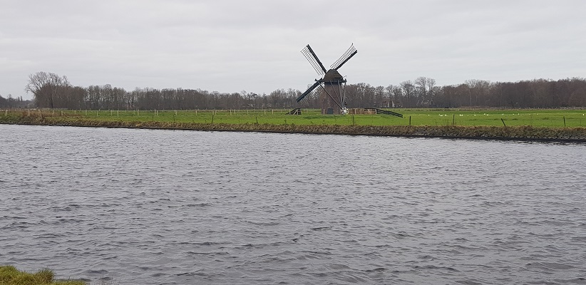 Wandeling over het Romeinse Limespad van Leiden naar Voorburg bij de Knipmolen in Voorschoten