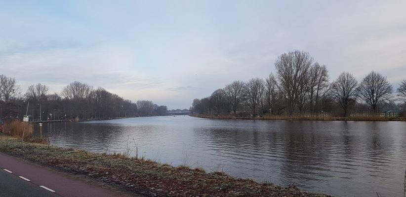 Wandeling ten westen van de Amstel in Amsterdam langs de Amstel