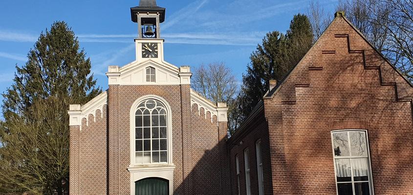 Wandeling over Trage Tocht Helenaveen bij Gereformeerde Kerk