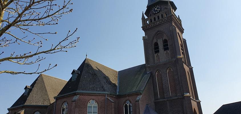 Wandeling Graancirkel in Oploo bij de kerk
