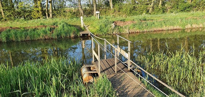 Wandeling over het Broeksteenpad in Rijkevoort bij trekpontje over de Lage Raam