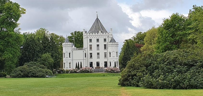 Wandeling over Trage Tocht Sandenburg bij het kasteel