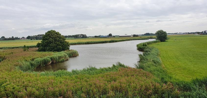 Wandeling over de Westfriese Omringdijk van Schoorldam naar Schagen bij een wiel