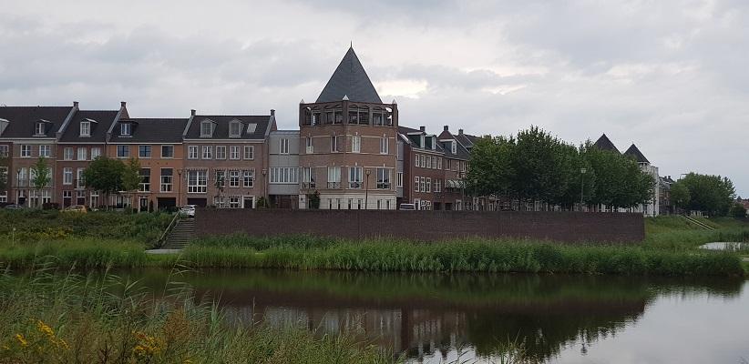 Wandeling door vinexlocatie Brandevoort in Helmond van Gegarandeerd Onregelmatig bij de Veste