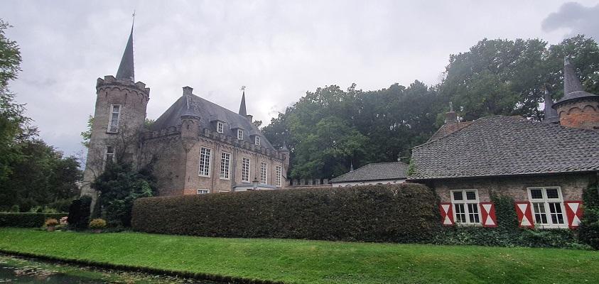 Wandeling over Ommetje Sint-Oedenrode bij kasteel Henkenshage