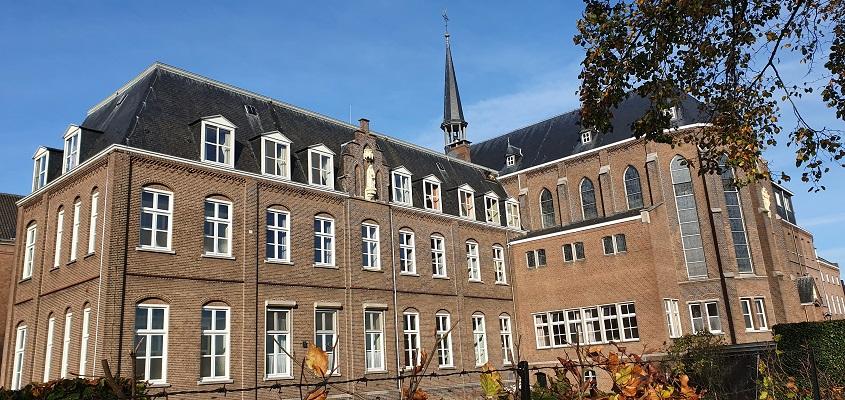 Wandeling Pak de Biezen bij de Brabantse Kluis in Aarle-Rixtel bij klooster Heilig Bloed