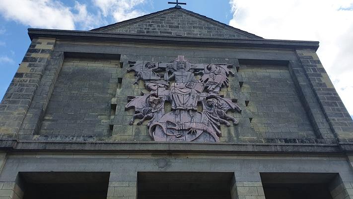 Wandeling over Kloosterpad van Beers naar Oeffelt bij de kerk in Oeffelt