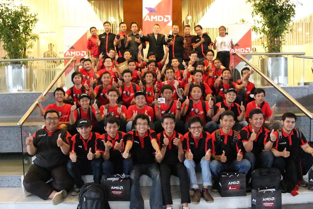 Foto-Bersama-AMD-Red-Team-Gathering-2015