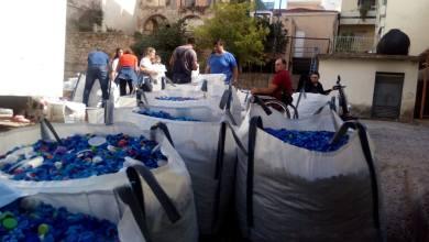 Photo of 2,5 τόνοι πλαστικά καπάκια με την βοήθεια Προσκόπων και Ευθροσταυριτών