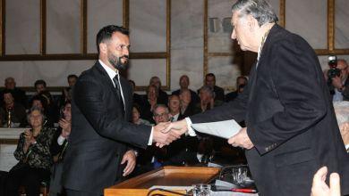Photo of Βραβεύτηκε από την Ακαδημία Αθηνών ο οδηγός ταξί που έσωσε ανάπηρη τουρίστρια στο Κατάκολο