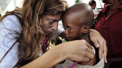 Photo of Αντιγόνη Καρκανάκη: Μια Κρητικιά που παράτησε τα πάντα για να σώσει ζωές σε όλο τον κόσμο