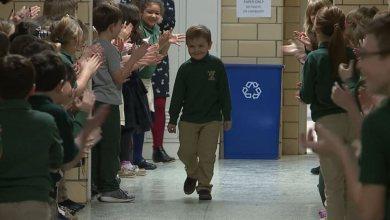 Photo of 6χρονος νίκησε τον καρκίνο και όλο το σχολείο τον υποδέχτηκε με χειροκροτήματα [video]
