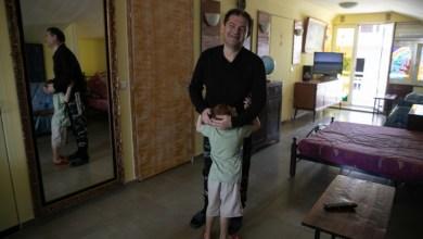 Photo of Οικογένεια προσφύγων περιέθαλψε τον Έλληνα σπιτονοικοκύρη της όταν έμεινε κατάκοιτος: «Τόση αγάπη δεν έχω δεχθεί ποτέ»