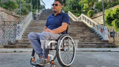 Photo of Ο Γολγοθάς της κίνησης με αναπηρικό αμαξίδιο στο κέντρο της Πάτρας [video]