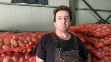 Photo of Καστοριά: Ο αγρότης που χάρισε σε απόρους 25 τόνους πατάτας
