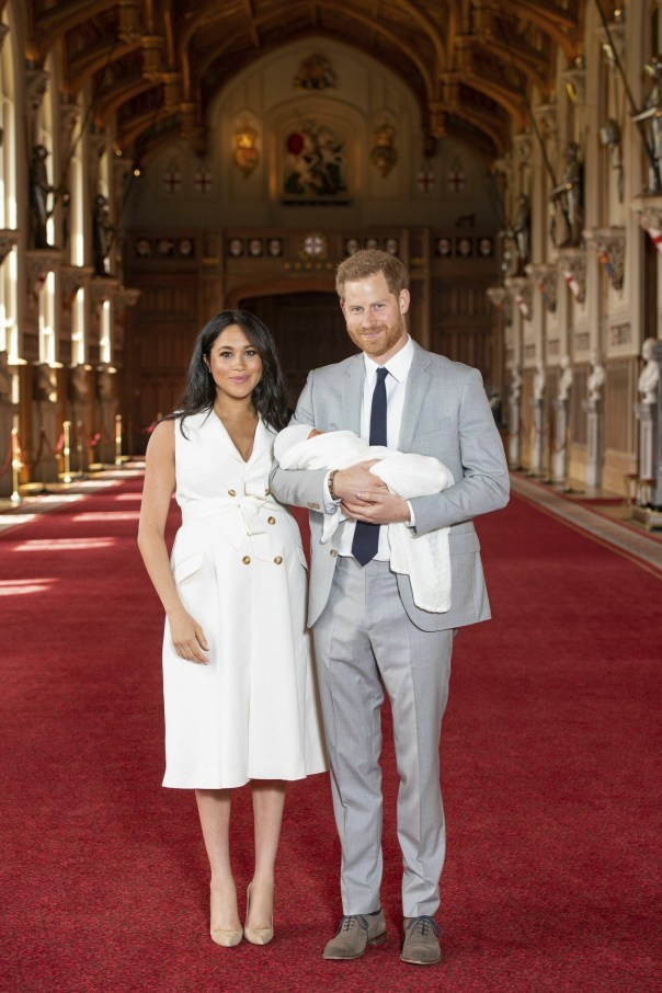 First Photos Prince Harry And Meghan Markle's Baby Boy (3)