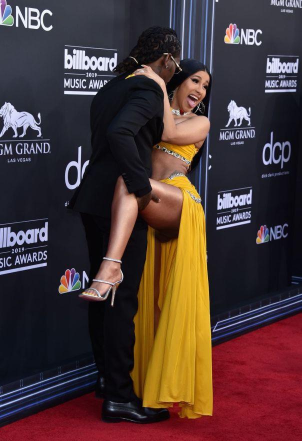 Cardi B And Offset Billboard Music Awards 2019 Red Carpet (5)