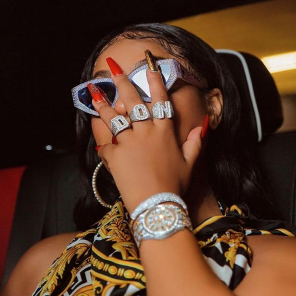 SteffLon Don Flow In Yoruba While Performing At A Show