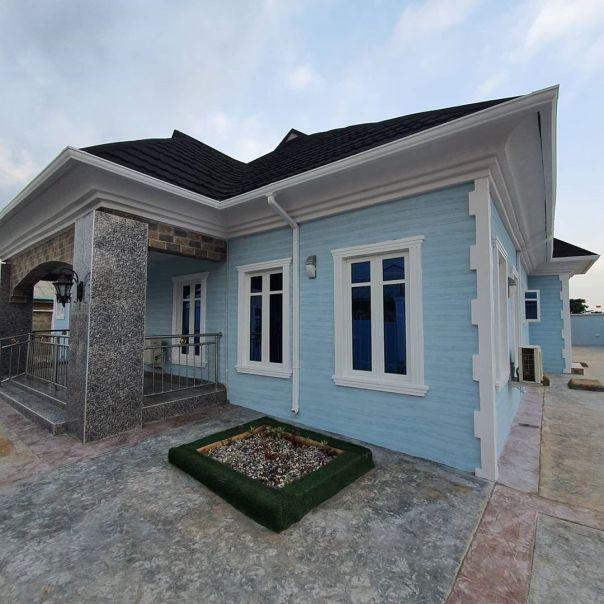 Bimbo Afolayan Buys Parents A Mansion As Sallah Gift (2)