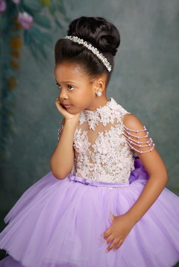 Flavour And Anna Ebiere Banner Daughter 5th Birthday (4)
