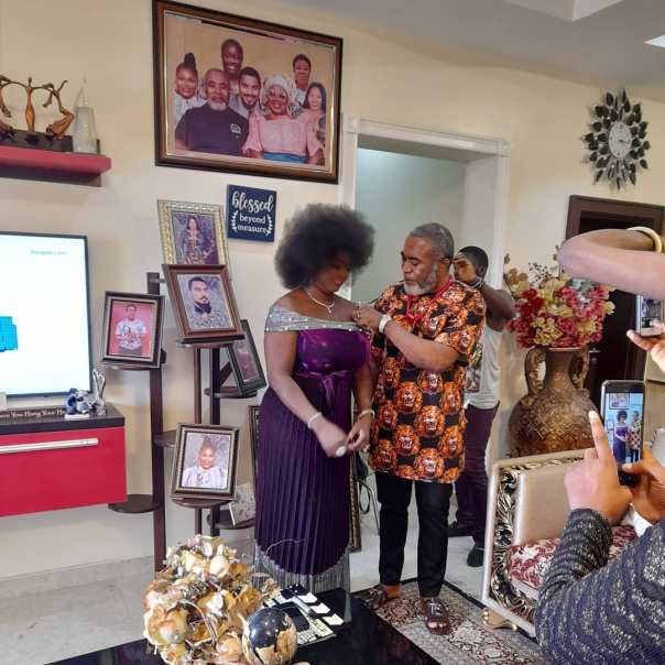 Zack Orji Attending To Awoyemi Bukola Grace On Set (2) Amebo Book