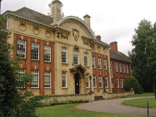 uni of Northampton Tuần lễ vàng tư vấn du học Anh 2014 học bổng lên đến 100%
