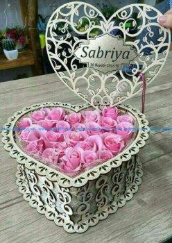 Wooden heart pattern Valentine's Day box