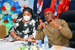 Managing Director/CEO Fidelity Bank PLC, Mrs. Nneka Onyeali-Ikpe with the Chairman, Air Peace Airlines, Mr. Allen Onyeama in Abuja on Thursday June 17, 2021 when Air Peace Airline took delivery of the first of 13 brand new E195-E2