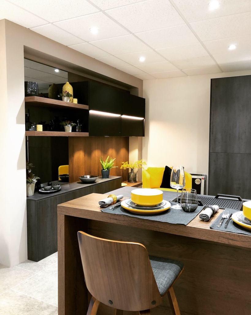 Retail: Modern Homes Kitchens