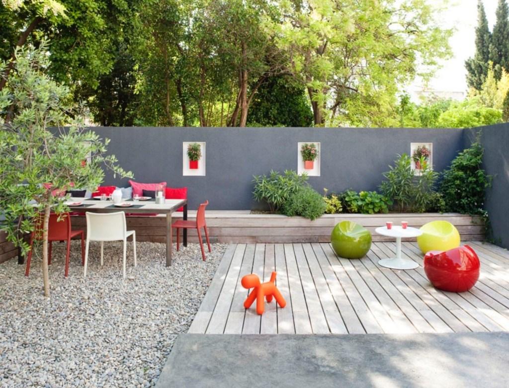 Modern Garden with zones