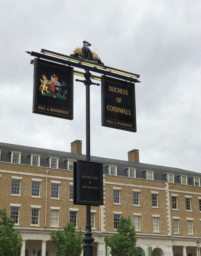 Exterior sign The Duchess of Cornwall Inn