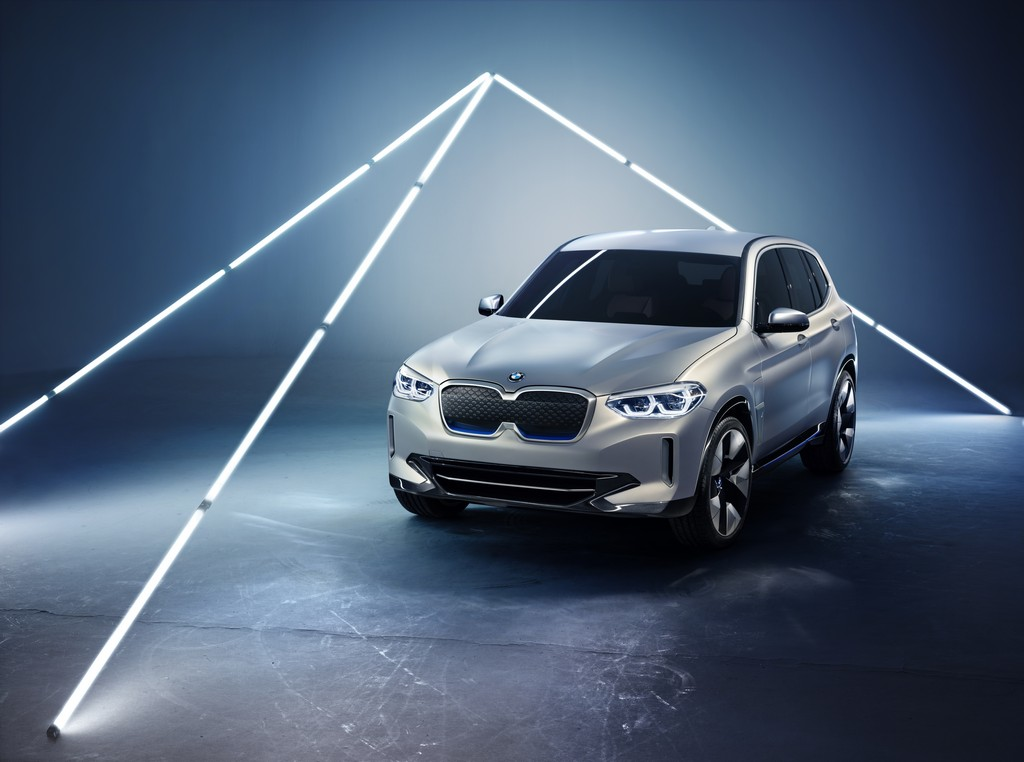BMW-iX3-Amena-Auto-Dubai-UAE