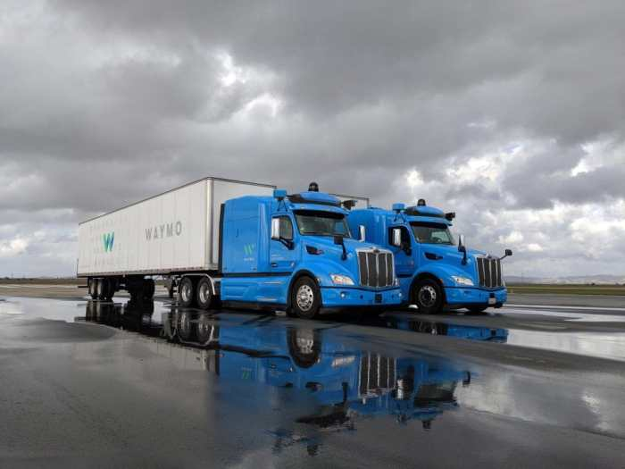 Waymo-Self-Driving-Trucks-Amena-Auto-Dubai-UAE (3)
