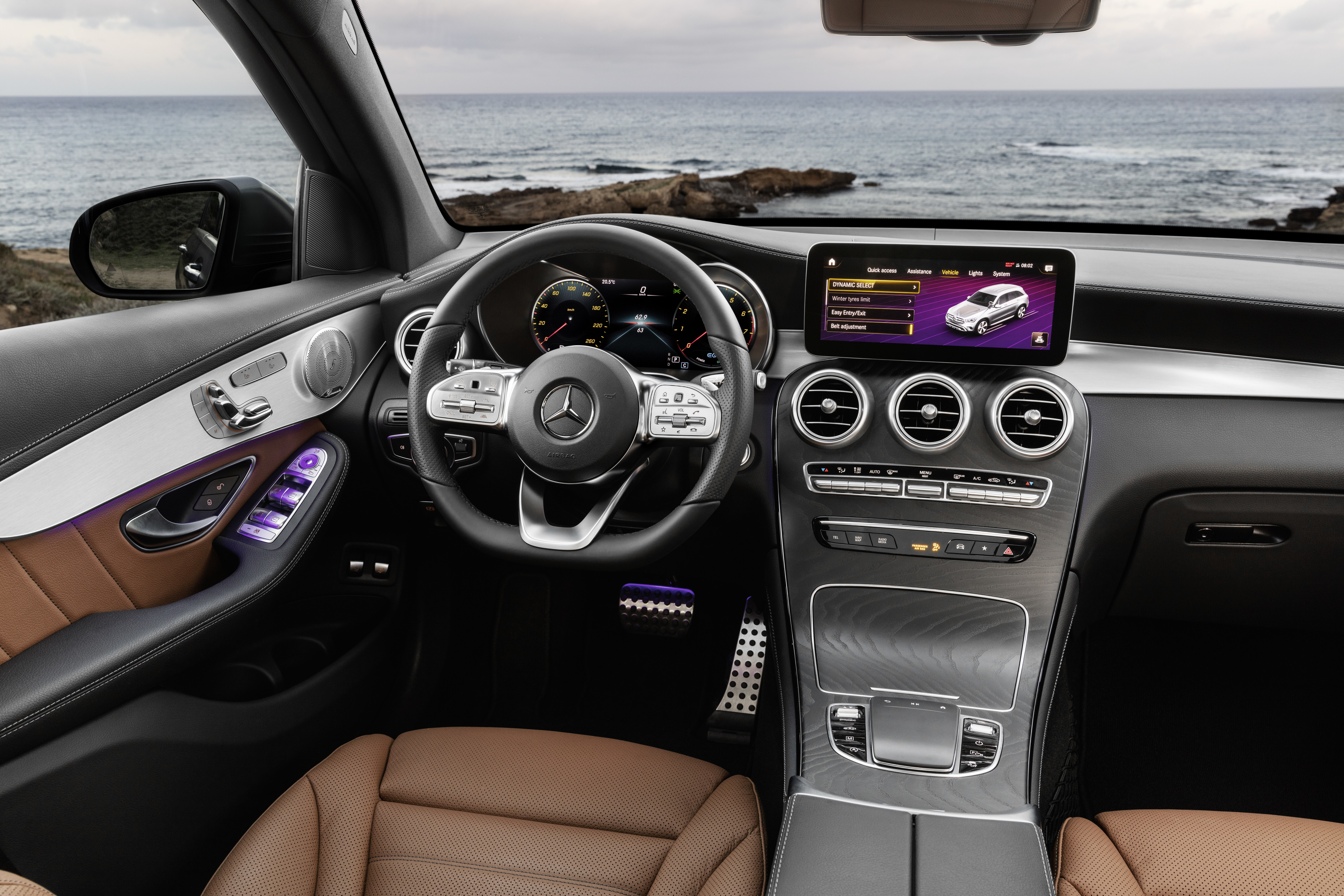 2020 Mercedes Benz GLC Interior