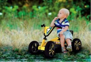 Kart à pédales pour les 2-5 ans.