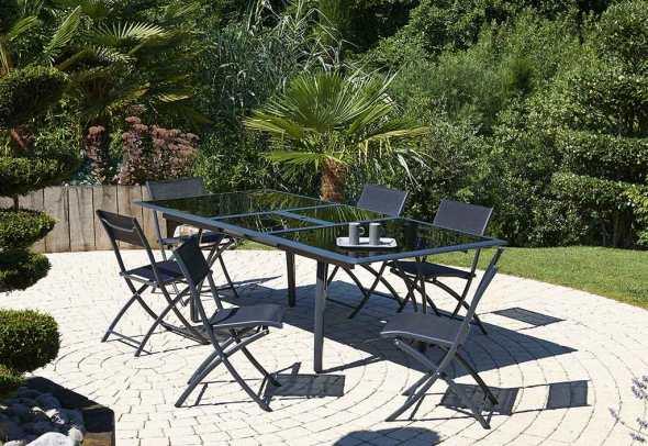 Salon de jardin en promotion mon am nagement jardin blog mobilier de jardin rangement jeux for Amenagement de salon de jardin