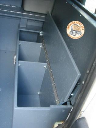 rangements cloisonnées sous assise