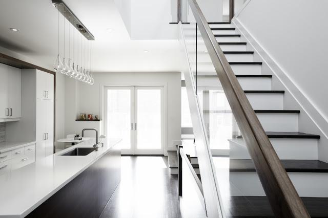 Petite Maison Moderne Avec Des Intrieurs Minimalistes